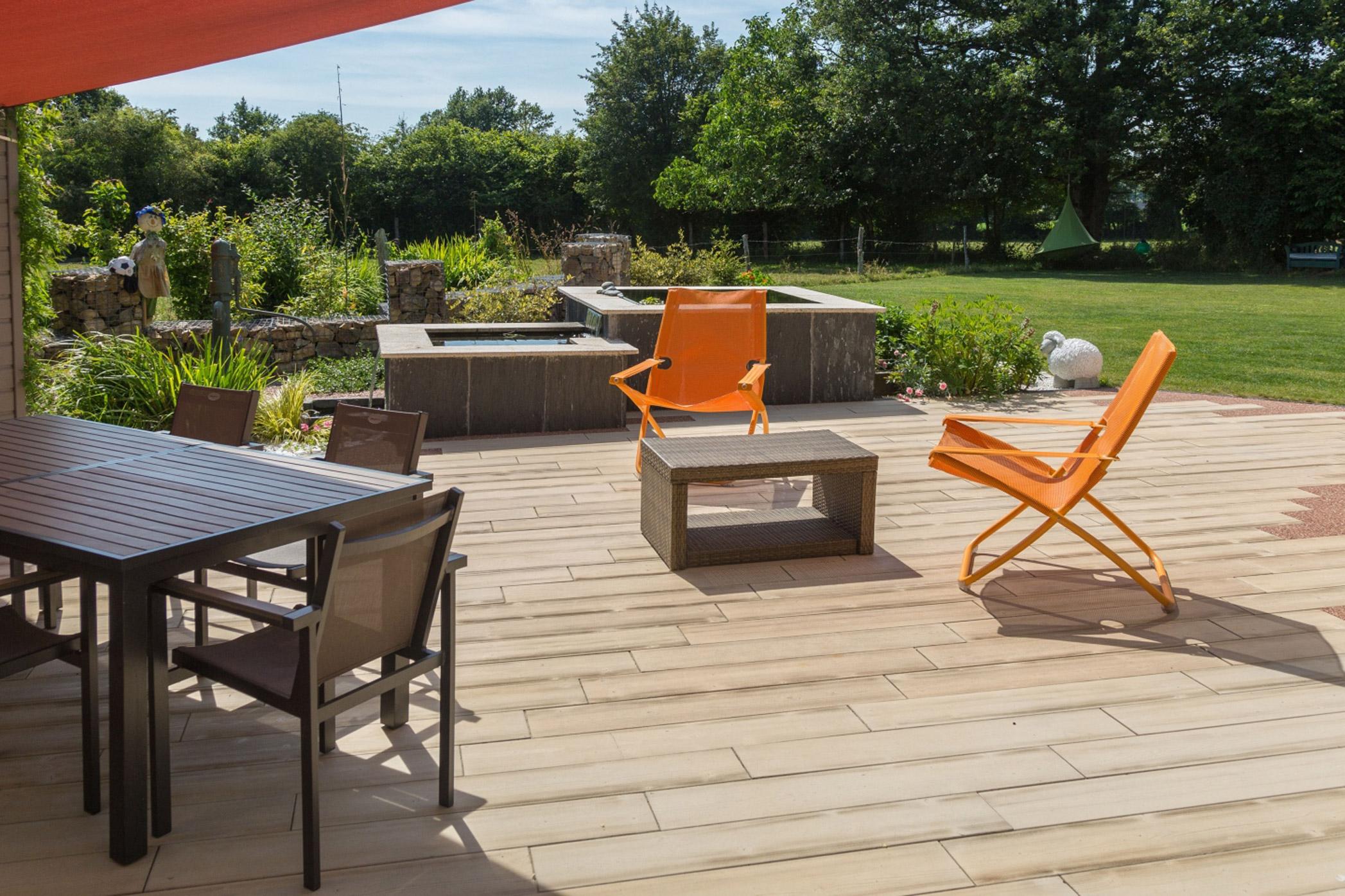 Terraza con baldosas de hormig n prefabricado daniel moquet for Baldosas para terrazas